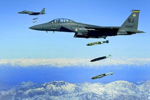 800px-F-15E drops 2000-pound munitions Afghanistan 2009