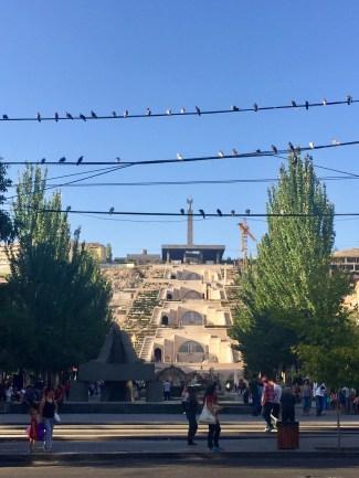 Im Zentrum von Yerevan - die 100m hohe Kaskade führt hinauf zum Siegespark