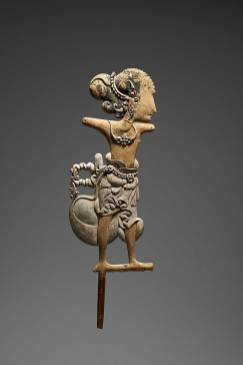 Weltmuseum: Wayang klitik Figur (363 KB) Java, 16. Jahrhundert Holz, Pigment, Blattgold H. 50,5 cm ©KHM-Museumsverband