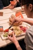 Sich selbst sein Frühstück zusammenstellen c) Inge Funke