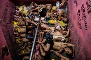 Aufnahme von Häftlingen in einem philippinischen Gefängnis. Reportagen – Dritter Preis, Einzelbilder © Noel Celis, Agence France-Presse Titel: Leben im überfülltesten Gefängnis der Philippinen