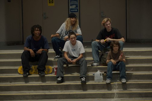 Die Gang v.li.n.re. Na-Kel Smith (Ray), Olan Prenatt (Fuchshit), Gio Galicia (Ruben), Ryder Mclaughlyn (Fourth Grade) und Sunny Suljic (Stevie)