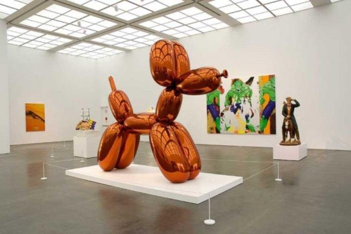Balloon Dog (Orange). Автор: Jeff Koons.