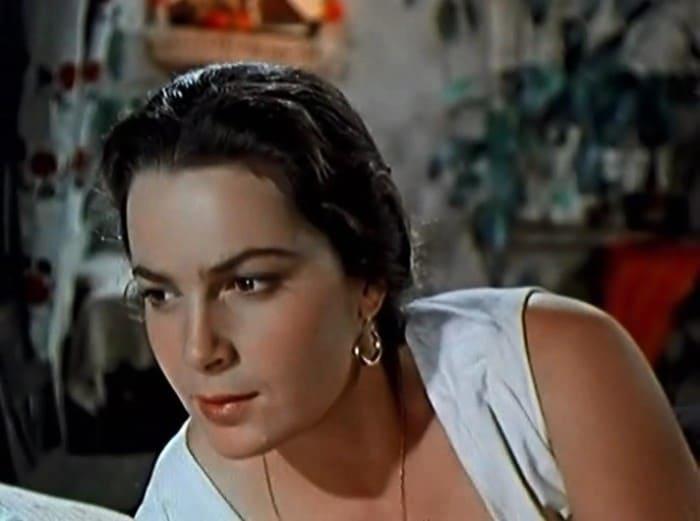 Элина Быстрицкая в роли Аксиньи, 1957-1958   Фото: kino-teatr.ru