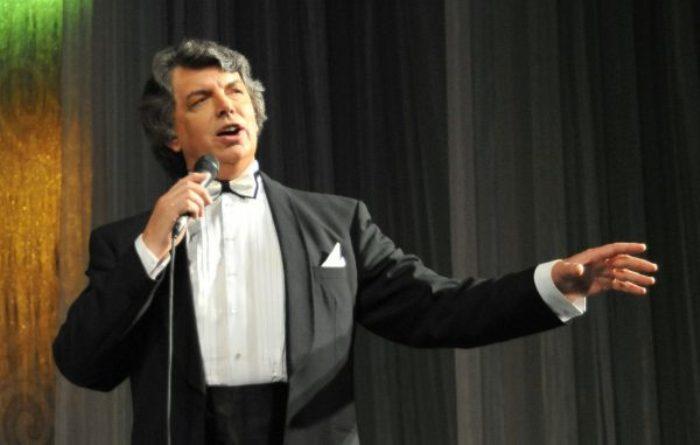 Знаменитый певец Сергей Захаров | Фото: mixnews.lv