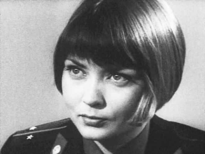 Жанна Болотова в фильме *24-25 не возвращается*, 1968   Фото: kino-teatr.ru