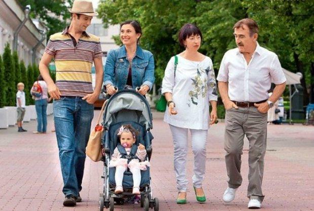 Счастливая семья Каневского. / Фото: www.serialstv.org