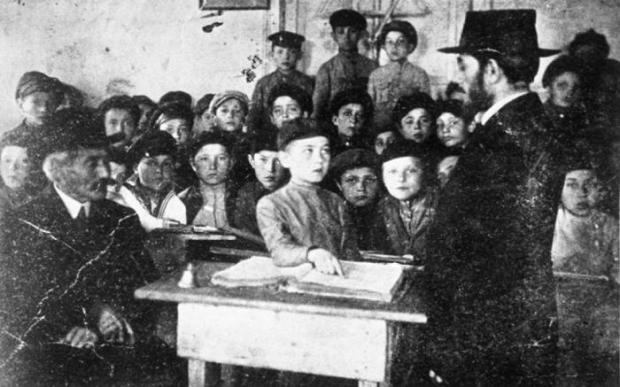 Меламед (учитель) ведет урок в хедере — начальной школе