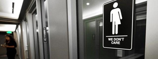 Neurales Genderzeichen an den Toiletten des 21C Museum Hotels in Durham in Nord Carolina