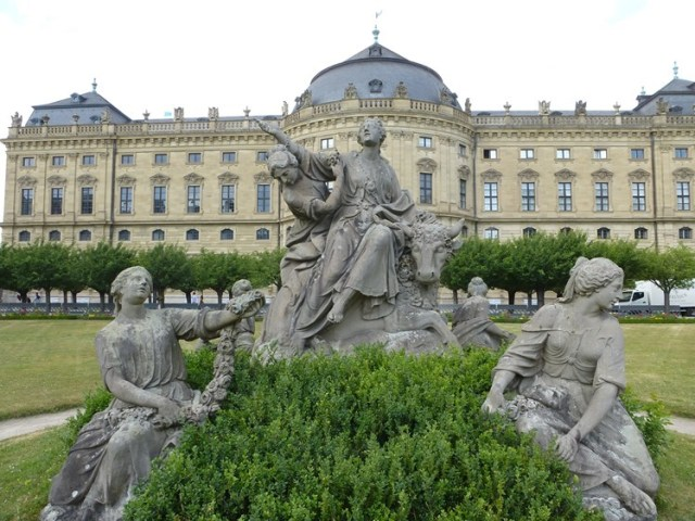 Würzburger Residenz_Figurengruppe Raub der Europa