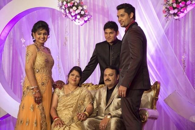 indische Eltern ...