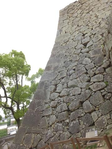 姫路城 石垣 扇の勾配