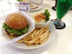 ハンバーガー 大阪 アメリカン 13diner