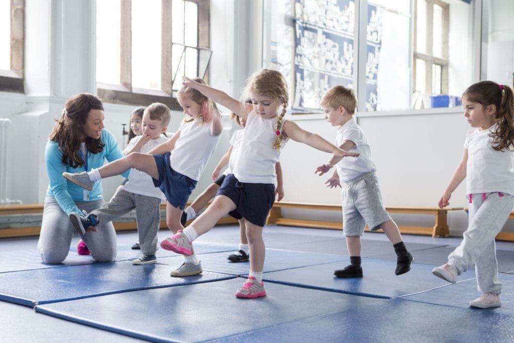 yogi says, games for yogis, yoga games, active games for kids, how to play simon says, how to play yogi says, yoga in schools, active games for kids, kid's yoga