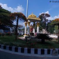 Hindu Shrine's Public Display of Affection