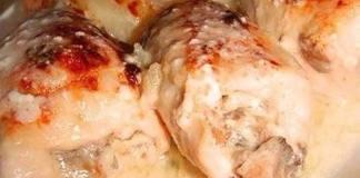 Куриные рулеты с грибами в сливках