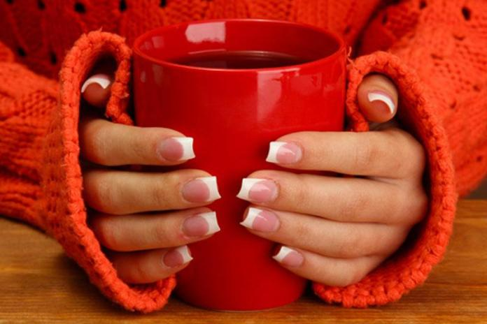 Почему у вас холодные руки: 10 причин