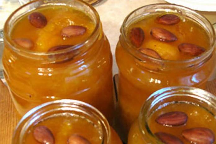 абрикосовое варенье с косточками