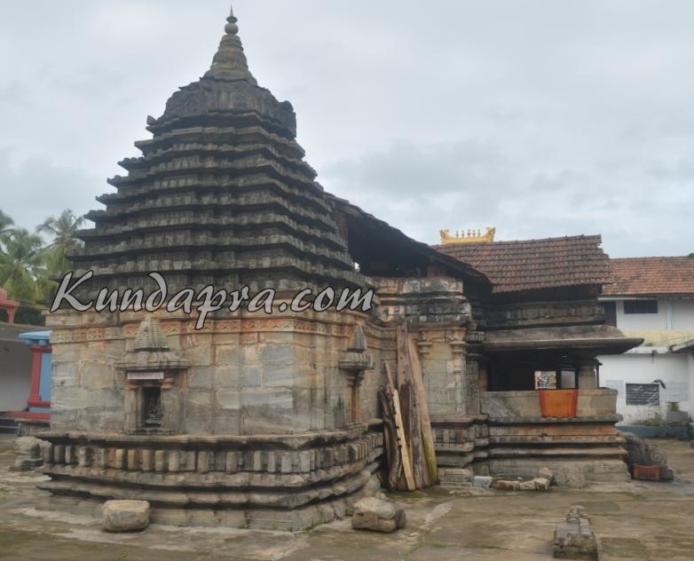 Byndoor seneshwara temple Wondeful art  (8)