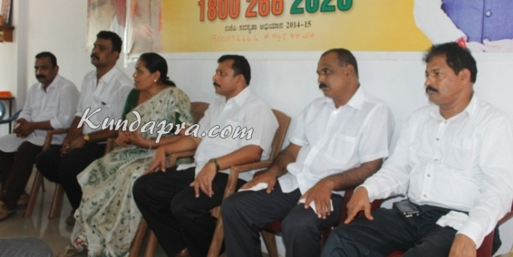 MP Shobha Karadlaje press meet at kundapura (4)