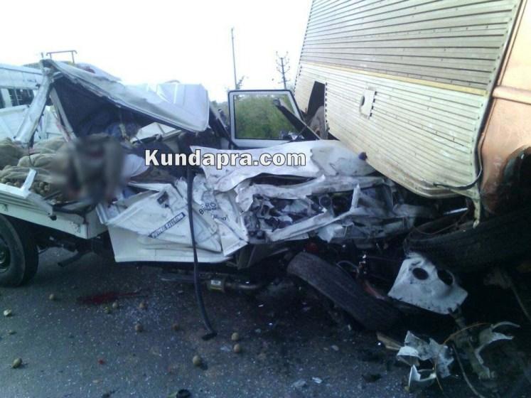accident Mahendra Boleo and insulator lorry at hemmady (2)