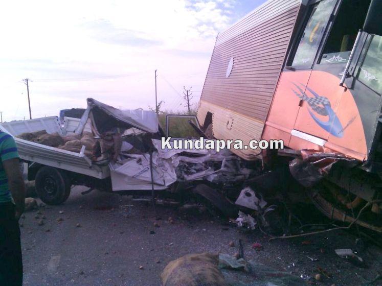 accident Mahendra Boleo and insulator lorry at hemmady (3)