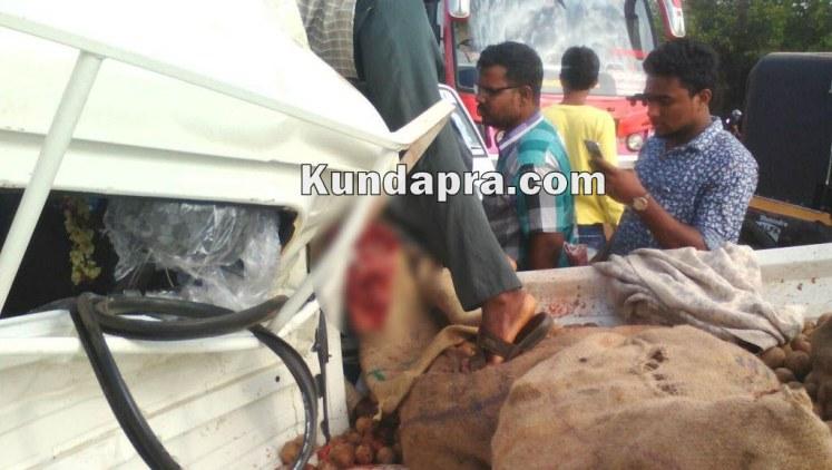 accident Mahendra Boleo and insulator lorry at hemmady (6)