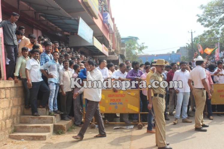 Zilla panchayath Taluk Panchayth Poll - BJP Celebrating in Kundapura (13)