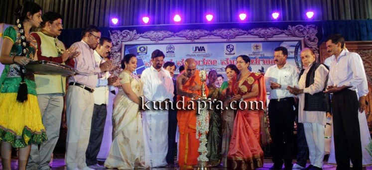 Madhura Madhuravi manjula Gana at Uva meridian koteshwara kundapura (2)
