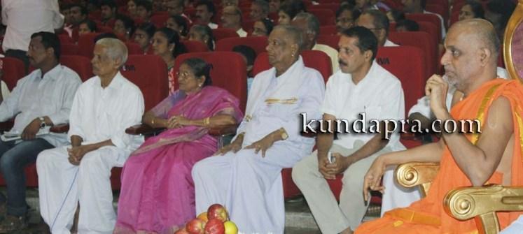 Madhura Madhuravi manjula Gana at Uva meridian koteshwara kundapura (9)