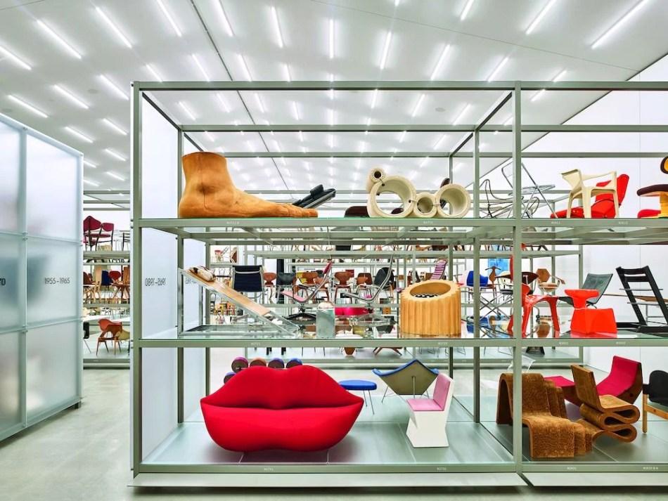 Vitra Schaudepot in der Innenansicht, Möbelstücke verschiedener Designer aus verschiedenen Jahrzehnten auf dem Vitra Design Campus in Weil am Rhein Baden-Württemberg