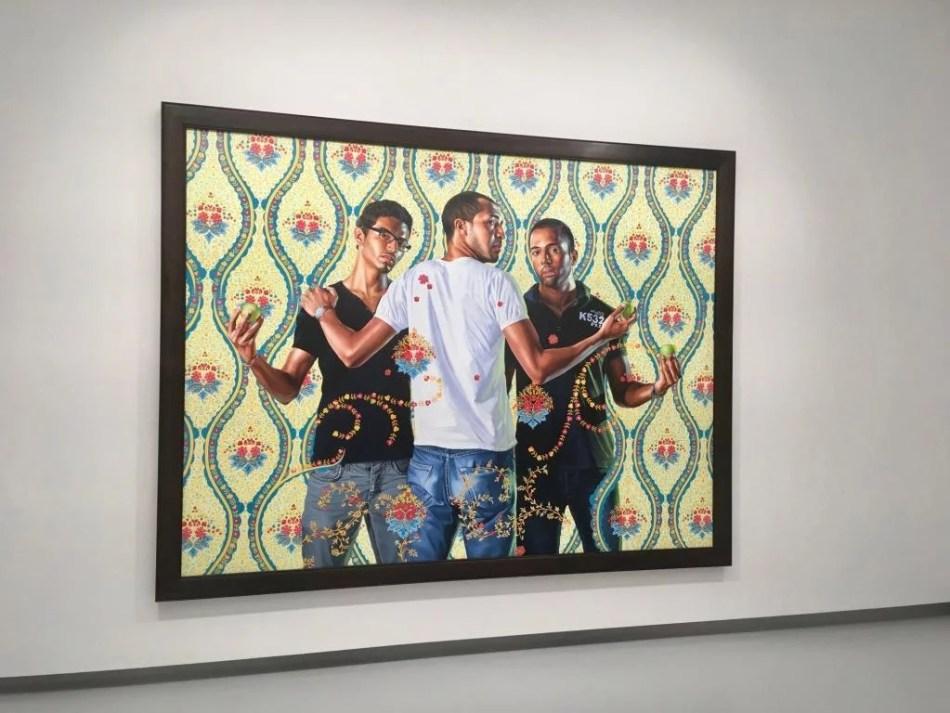 Kehinde Wiley, The Three Graces, 1881-1956, 2012, Öl auf Leinwand, 213 x 282 cm, Aussstellungsansicht in der Ausstellung Comeback in der Kunsthalle Tübingen,Foto: Sara Heinzelmann-Wilhelm