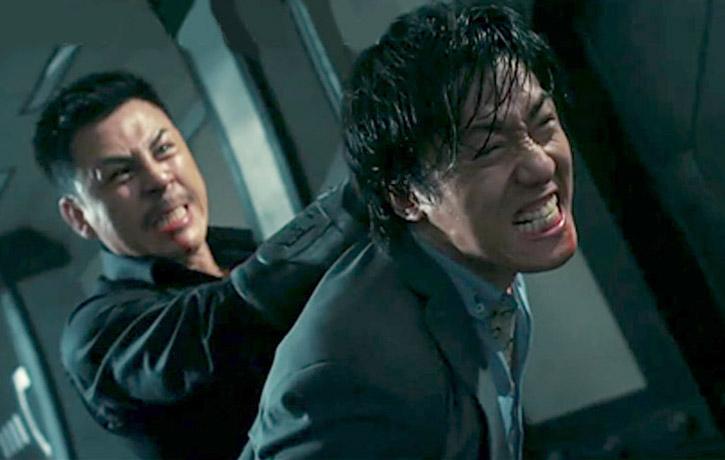Jiang Li armlocks Wu Lin