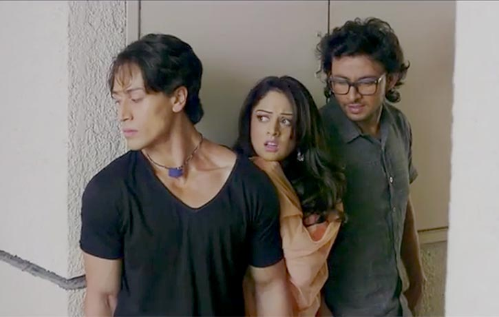 Bablu helping Renu and Rakesh stay together