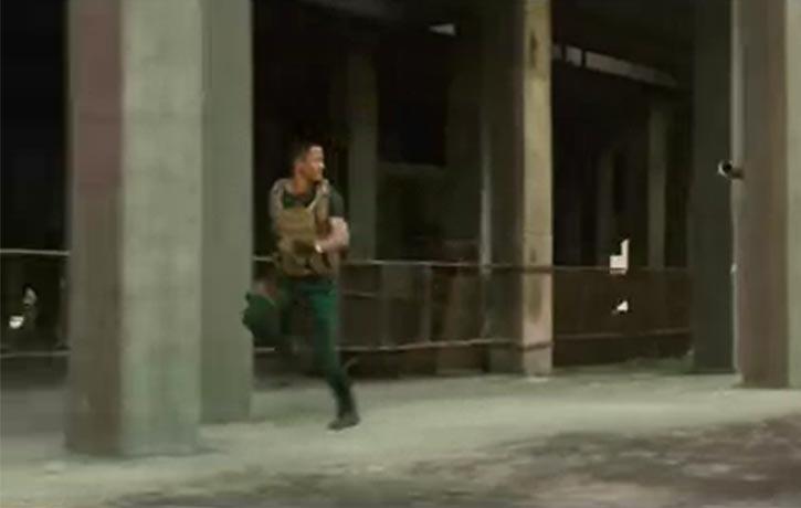 Leng Feng evades a panzer attack