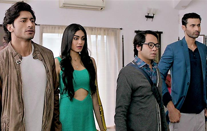 Karan and his team arrive to extradite Vicky Chadda
