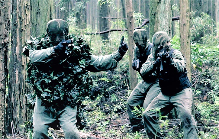 Toshiro and his two companions take on an entire platoon of camouflaged soldiers