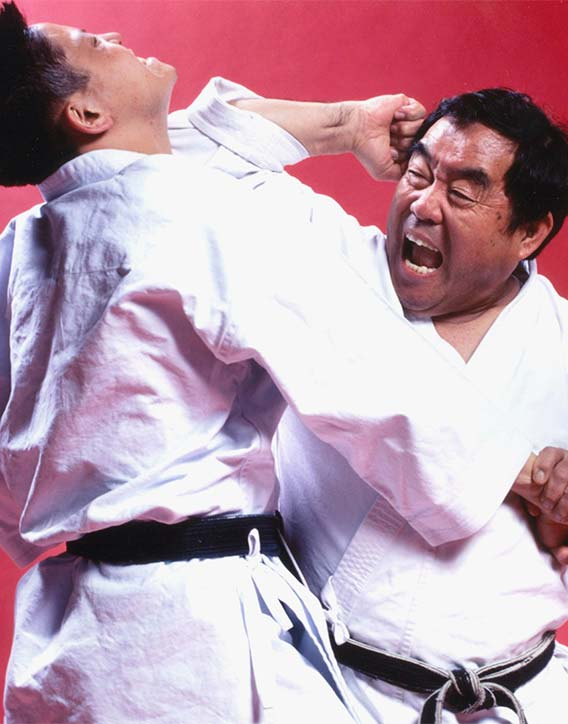 Fumio gives up an elbow!
