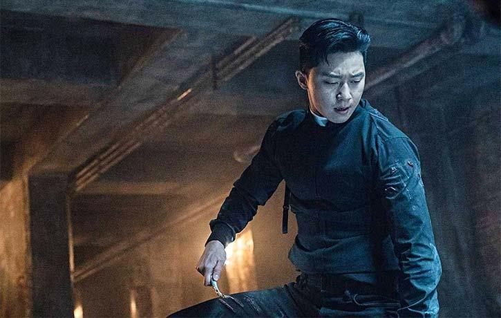 Yong-hoo has supernatural fighting abilities
