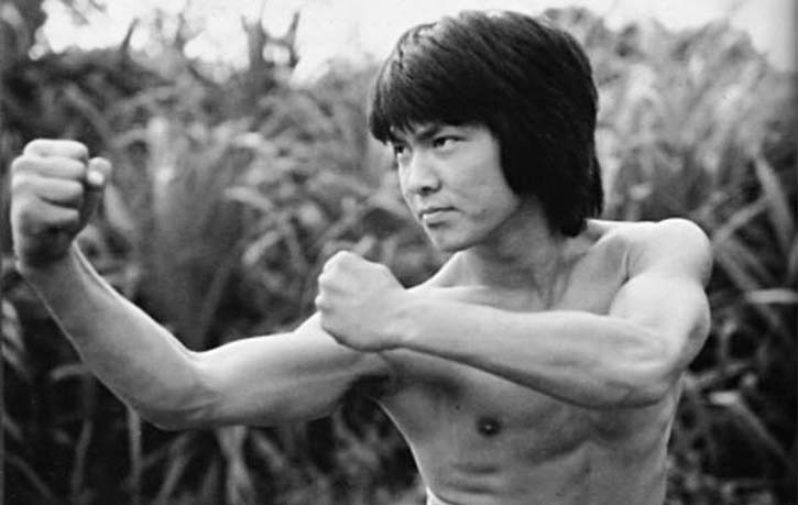 Yuen Biao among the 7 Little Fortunes