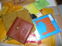 IL BISONTE財布と今日買ったCD2枚