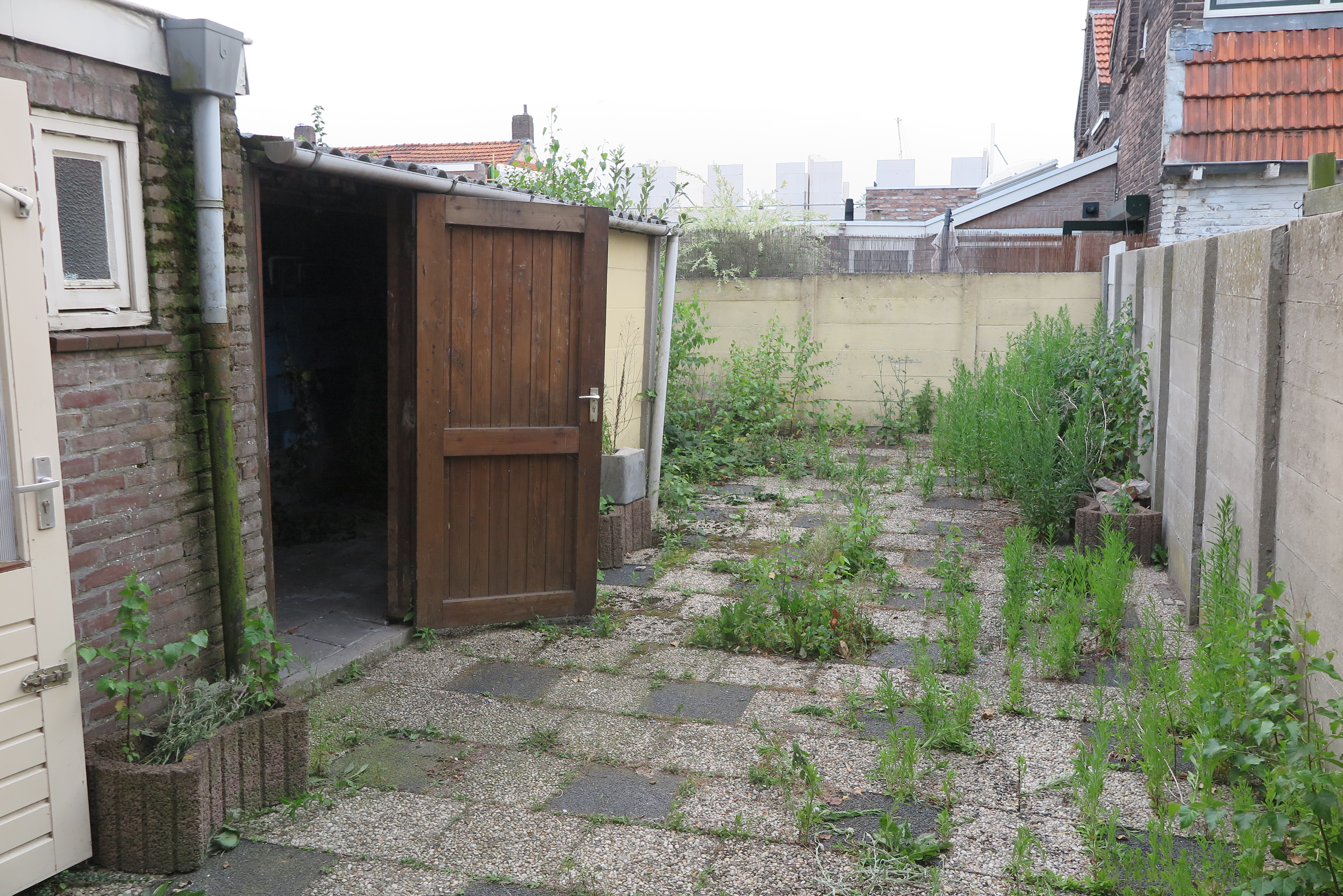 De tuin van een huis in Valetijnstraat Tilburg