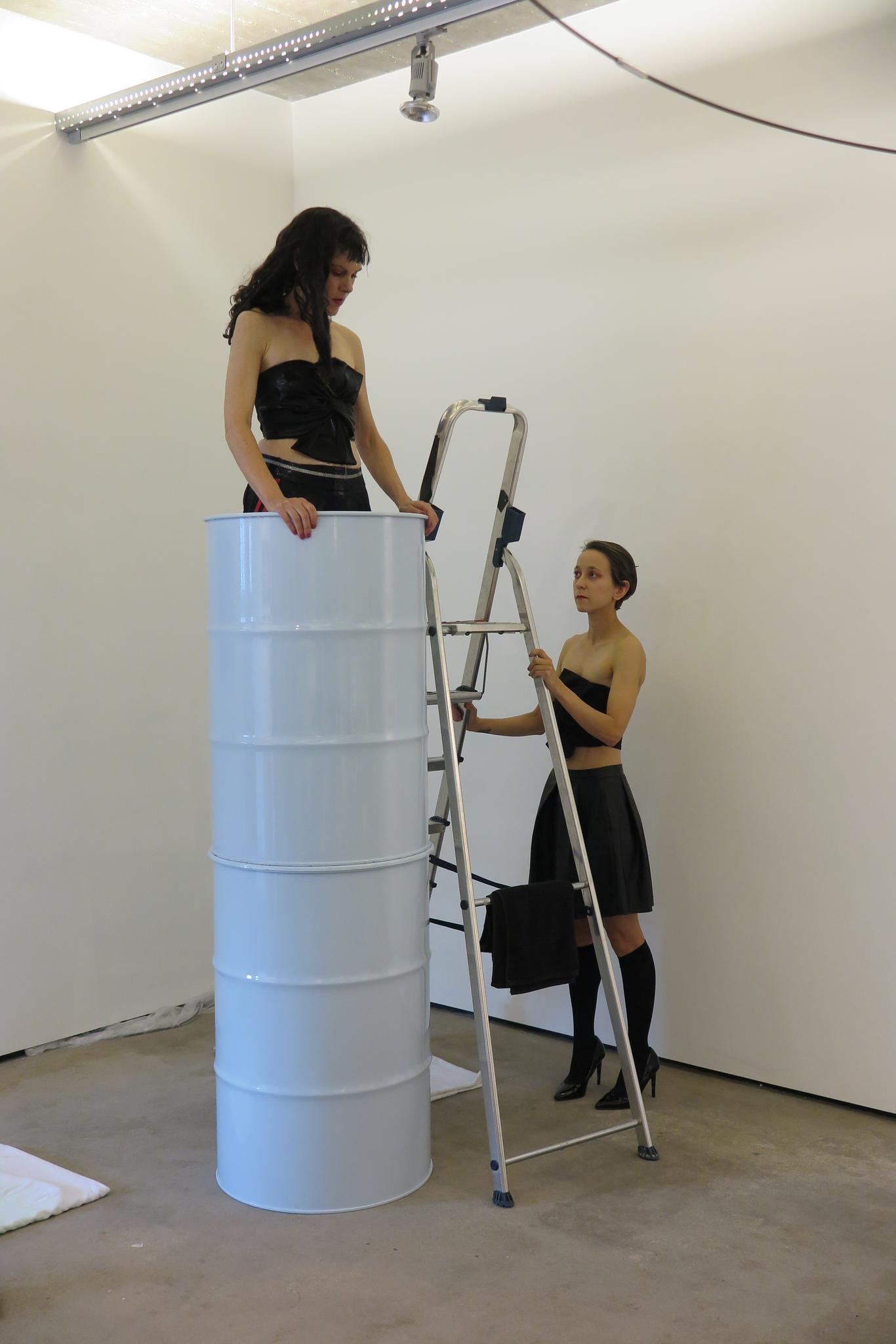 Beeld uit performance The Swan van Emily Kocken en Hanna Monola