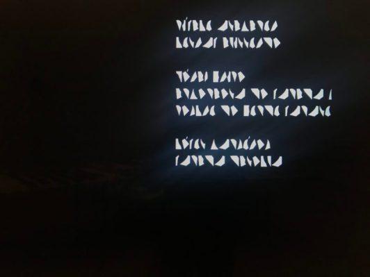 Aftiteling van de film, onderdeel Life in the folds, Amorales