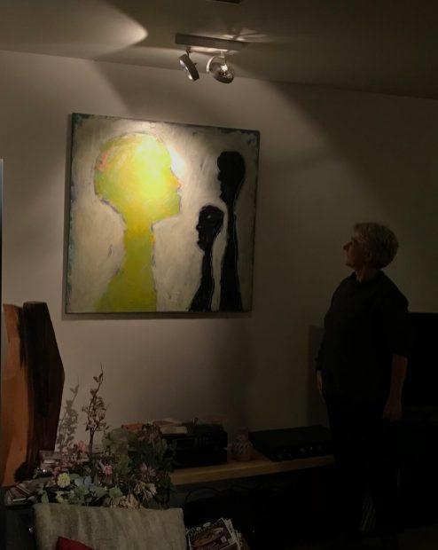 De Onzichtbare Grens van Hester van Dapperen via Kunst op de Klapstoel in huis gehaald.