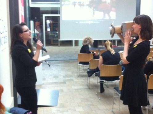 """Präsentation Re-enactment """"The Battle of Orgreave"""" von Studierenden der FAU"""