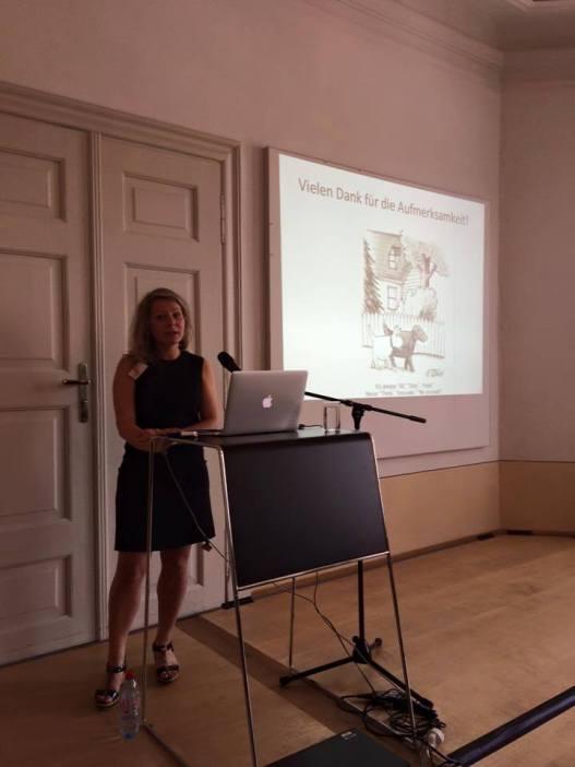 """Dr. Jessica Ullrich (Friedrich-Alexander-Universität Erlangen-Nürnberg) """"Animal Agency und Animal Audience. Wie man lebenden Tieren die Bilder erklärt"""""""
