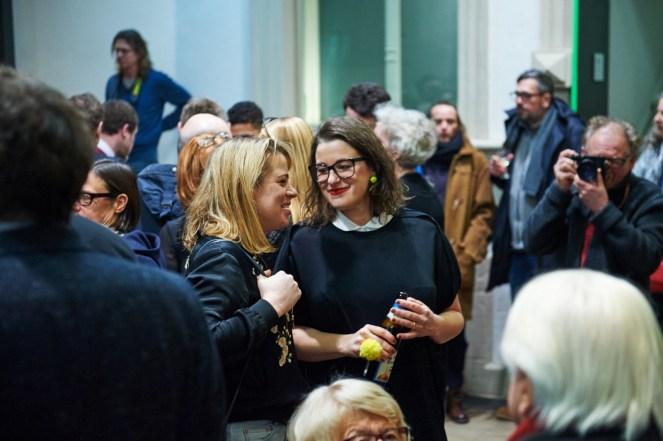 Jeni Fulton (Sleek Magazine) mit Amely Deiss (Kunstpalais), Foto: Markus Faber