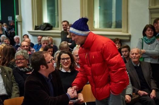Juergen Teller begrüßt Oberbürgermeister Dr. Forian Janik, Foto: Markus Faber