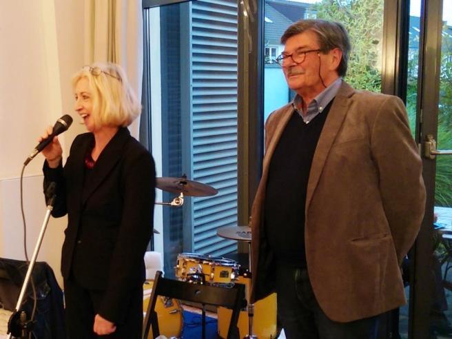Ricarda Fox und Heiner Schmitz eröffnen die Ausstellung 20-Jahre AnDer